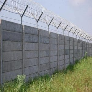 Precast Wall With GI Barbed Wire Fencing in Faridabad